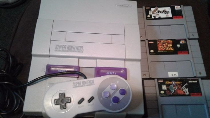 Super Nintendo System Console with 1 Controller 3 Games NO CABLES TESTED