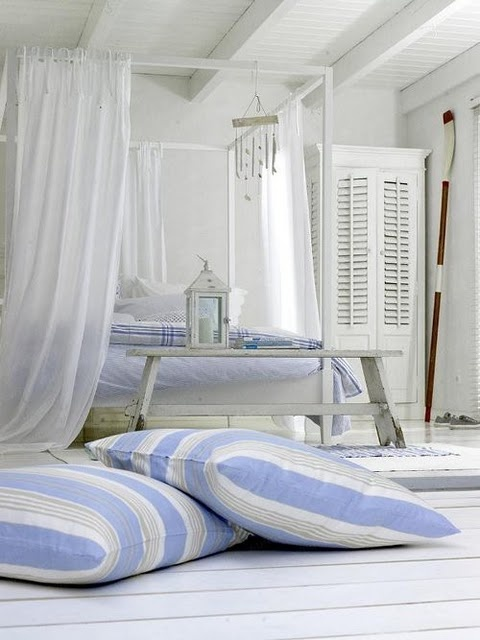 like the big pillows on floor (girls' rooms)