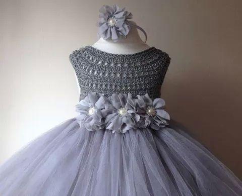 Vestido tul y crochet