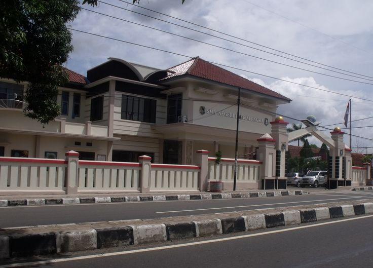 SMAN 1 Majalengka Jalan KH Abdul Halim, Kecamatan Majalengka, Kabupaten Majalengka, Jawa Barat. Date, 29 November 2013 koleksi www.cirebon-photo.com