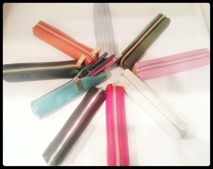#makeup #pencil older.  Porta #matite da #borsetta.  #CepiPelletterie #leather #colors #gift