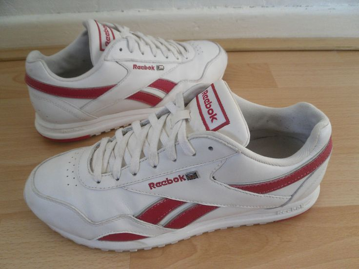 REEBOK CLASSIC TRAINERS SIZE 5.5 LADIES WHITE LEATHER WITH RED REEBOK FLASH