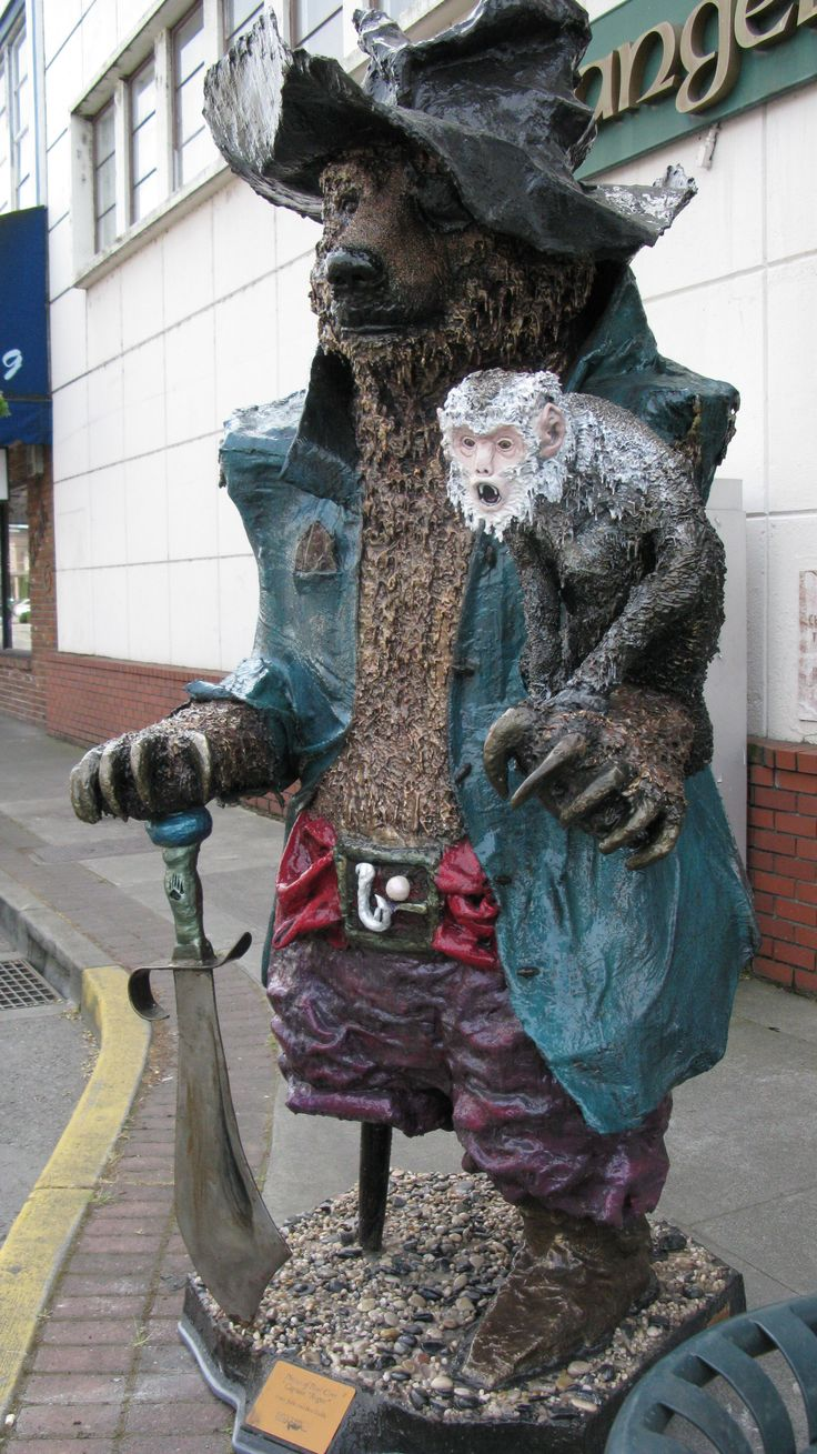 Bears of Grants Pass Oregon Every year people paint and decorate bear statues, they are placed on the sidewalks all around town in the summer.  Then there's an auction and people buy them to benefit the sick children in the Children s Hospital... that's what I was told by a hotel counter person.  correct me if I'm wrong.
