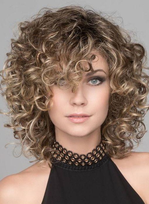 Curly Medium HairStyles 2019, geeignet für lang geschnittene Gesichter, sieht schlauer aus und wird im Sommer 2019 trendy.