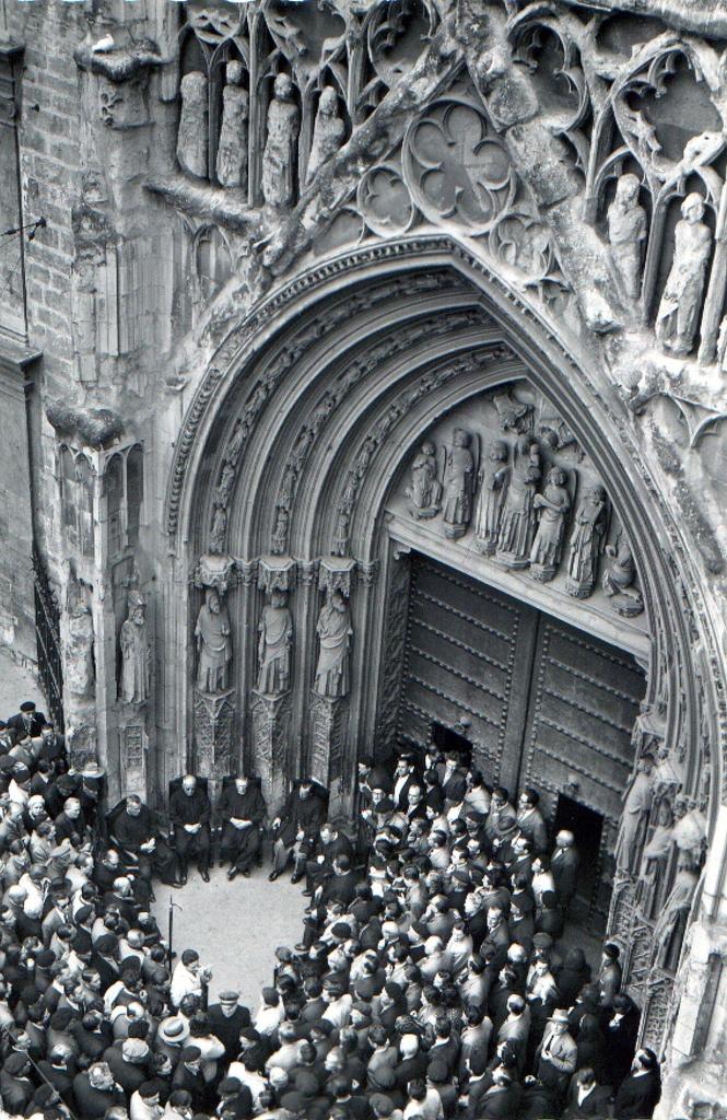 Tribunal de las Aguas (1958) - Valencia (Spain)