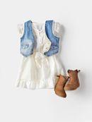 Baby Zara: ...she's a little bit country...
