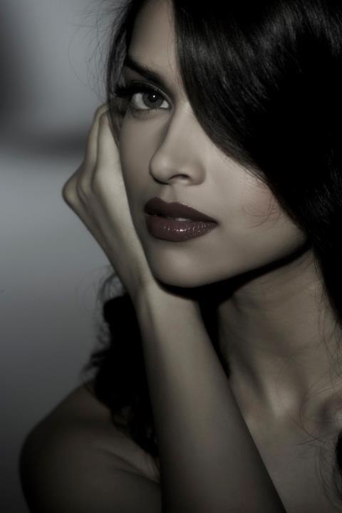mysteriously sexy . #Deepika #Bollywood