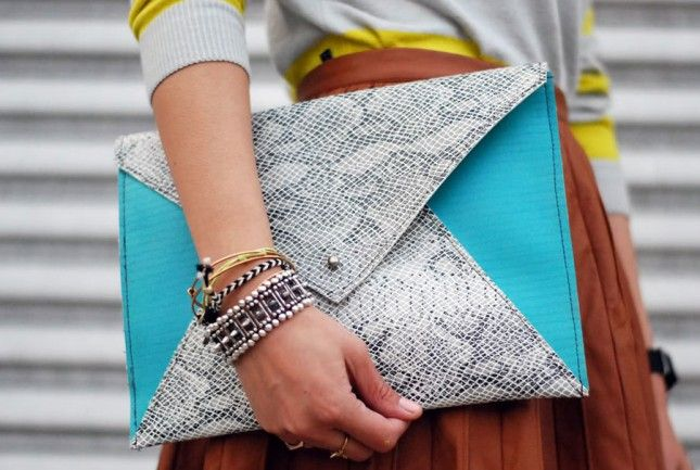 Neon Snakeskin Clutch | 24 DIY Clutches
