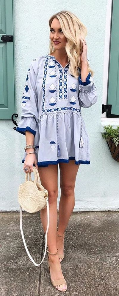 This short, loose silhouette takes the boho look a chic step above the free vibe. Boho Diamond Embroidered Tunic featured by Maketodayahollyday Blog