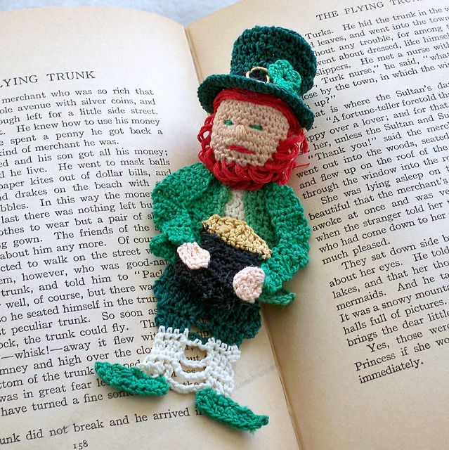 Now you can crochet this thread crochet Leprechaun bookmark for anyone to take the Luck of the Irish with them wherever they go.