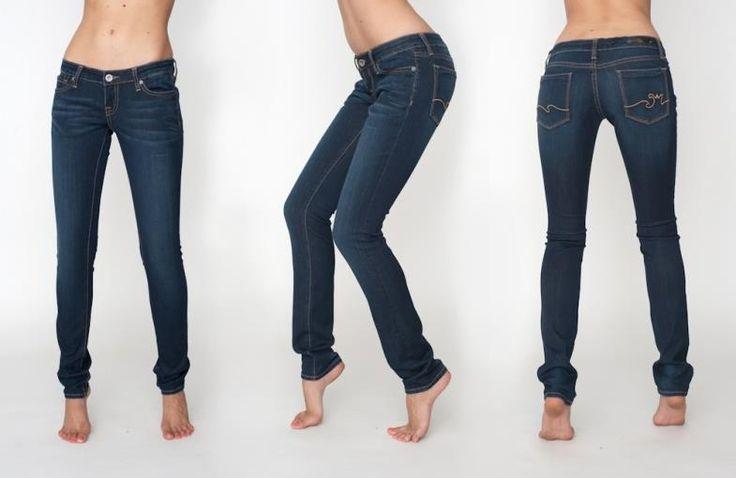 Узкие темно синие джинсы