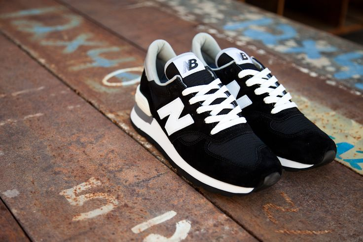 2015 New Balance M990 Black Wine Red Mens Sneakers