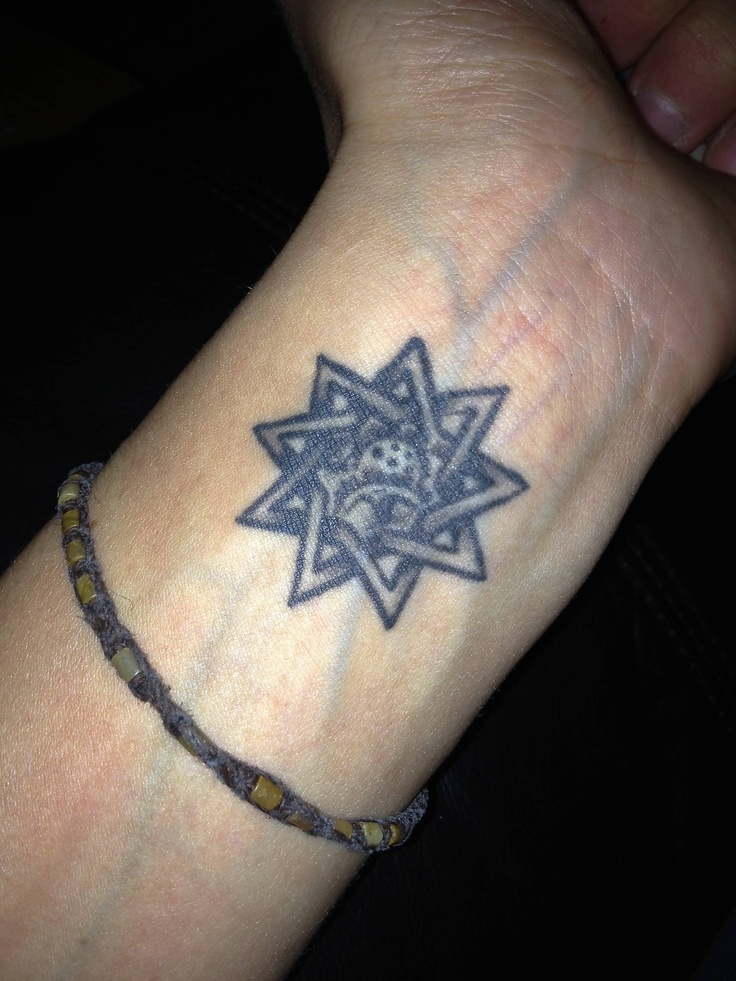 9 pointed star w/ freehand gears inside By the owner Matt