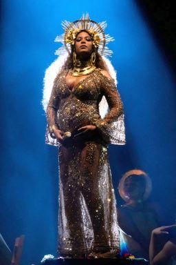 双子妊娠のビヨンセグラミー賞で神がかったパフォーマンス