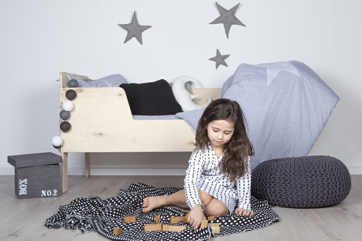 My label - jersey kids bedding in grey, playwood kids bed