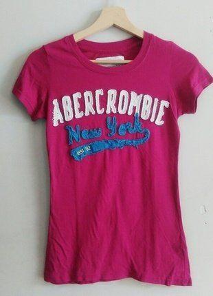 À vendre sur #vintedfrance ! http://www.vinted.fr/mode-femmes/hauts-and-t-shirts-t-shirts/35273151-abercrombie-fitch-t-shirt-fushia-taille-m
