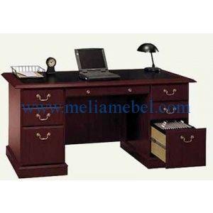 Meja Kerja Kantor Modern Minimalis – kali ini melia mebel jepara menawarkan produk furniture kantor dengan kualitas yang baik yaitu meja kerja kantor modern. produk meja kerja ini memiliki 6 laci yang dapat untuk menyimpan buku maupun barang kantor lainnya agar di atas meja terlihat rapi.