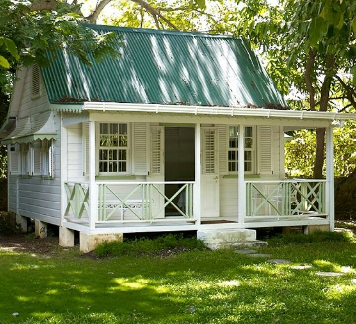 Small Backyard Guest Houses