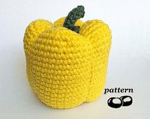 Crochet Pepper Pattern / Crocheted Pepper / Crochet Vegetable Pattern / Crochet Food Pattern