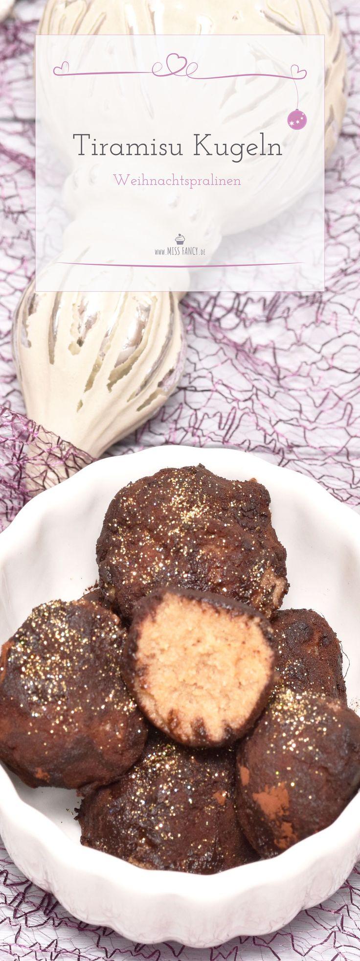 Tiramisu ist ein Nachtisch den ich unheimlich gerne esse, ob in Eis oder  Dessert – einfach lecker! Wie einfach du diese Kugeln nachmachen  kannst, verrate ich dir auf meinem Blog :) #Tiramisu #Pralinen #DIY #Lieblingsglas #Weihnachtsdessert #Dessert