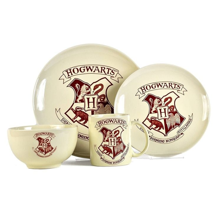 Harry Potter 4 Piece Stoneware Dinner Set - GeekCore.co.uk