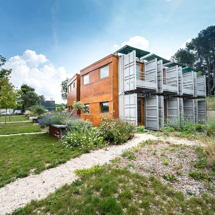 les 25 meilleures id es de la cat gorie construction modulaire sur pinterest maisons en bois. Black Bedroom Furniture Sets. Home Design Ideas