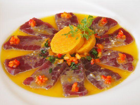 El ceviche de atun es una de las mejores maneras de preparar un atún fresco, ya que conservaras todo el sabor.