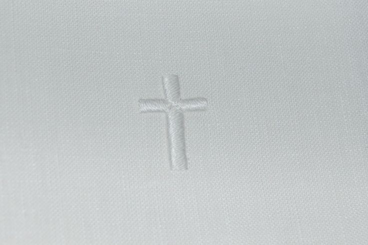 """Close-up of hand embroidered cross on altar linens set produced at the Williamsburg School of Needlework course """"Mastering the Making of Altar Linens""""; 8.3.17"""