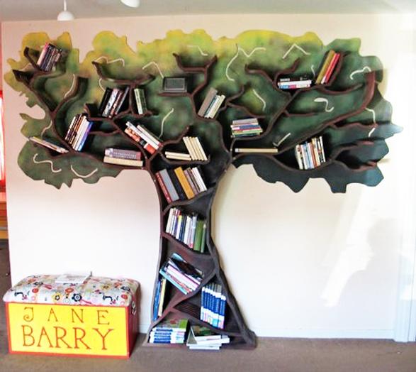 <3 book tree