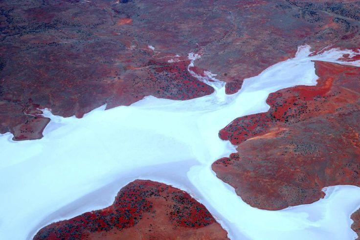 Lake Gairdner - Australia - 160 km long and 48 km wide salt lake
