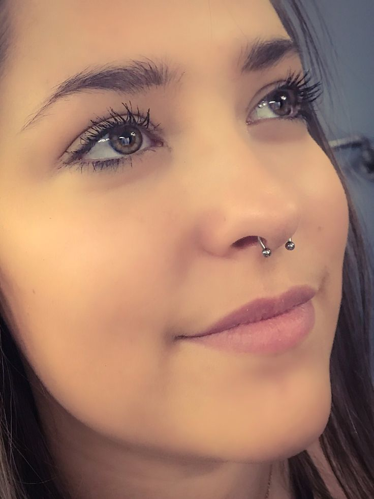 Картинки девушки с пирсингом в носу