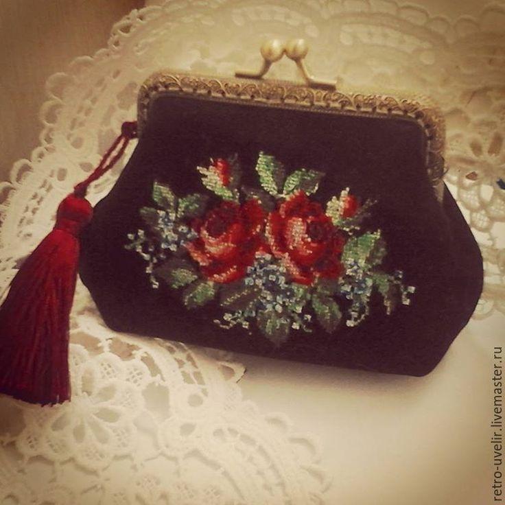"""Купить Косметичка """"Цветение роз"""" - черный, цветочный, подарок женщине, подарок девушке, косметичка с вышивкой"""