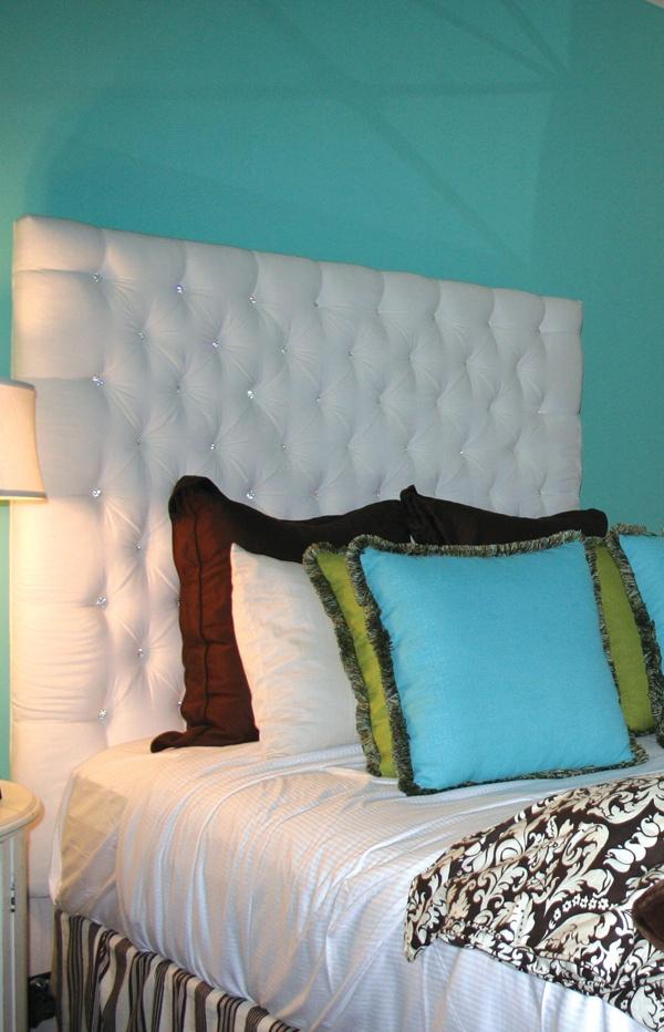 Custom tufted headboard in white velvet and rhinestone buttons. - 27 Best Headboards Images On Pinterest