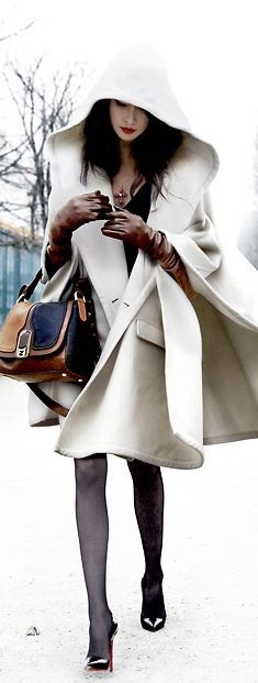 Street style fashion / karen cox. Street Style | White Winter Cape for impeccable winter street style