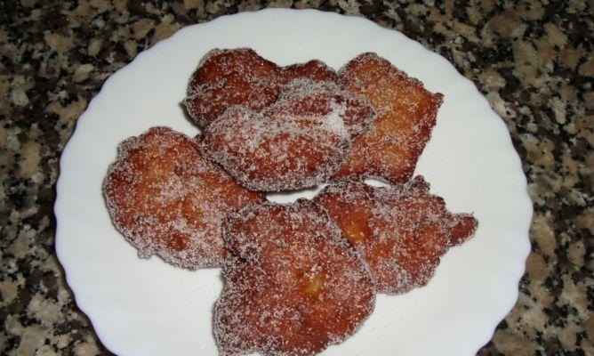 Buñuelos del Empordà.-   http://www.hogarmania.com/comunidad/cocina/recetas/postres/201303/bunuelos-lemporda-1665.html