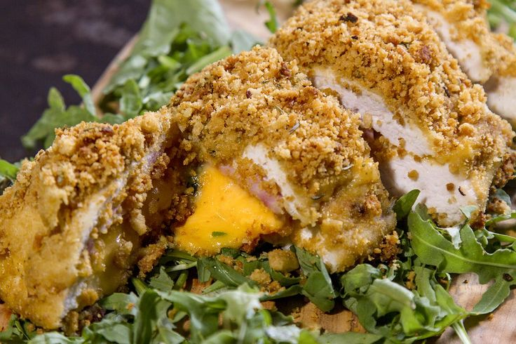An authentic chicken cordon bleu recipe by chef Akis. A light, crunchy, classic cordon bleu baked in the oven and ready in 40 minutes! A meal that everyone will love!