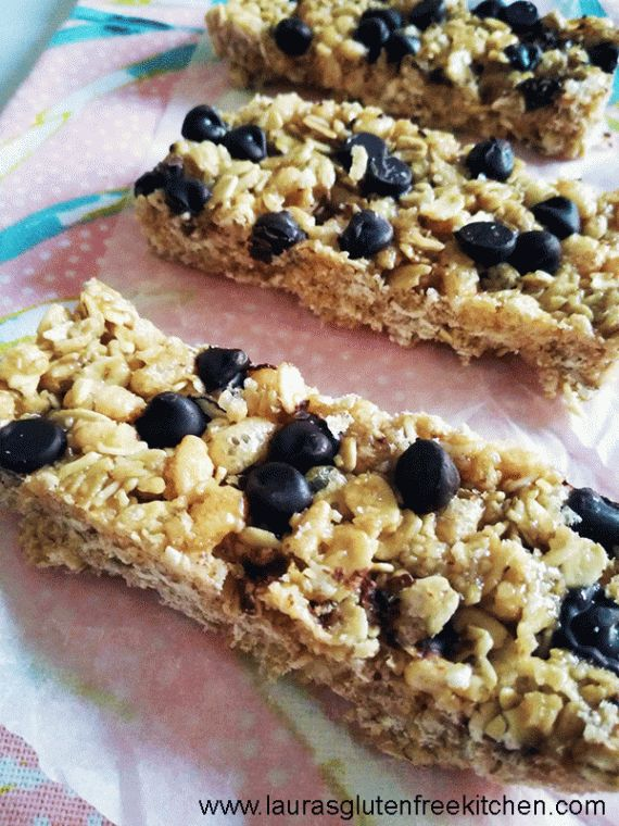 These Gluten Free Chocolate Chip No-Bake Granola Bars are unbelievably easy, I mean really, does it get much easier than making something in the microwave?