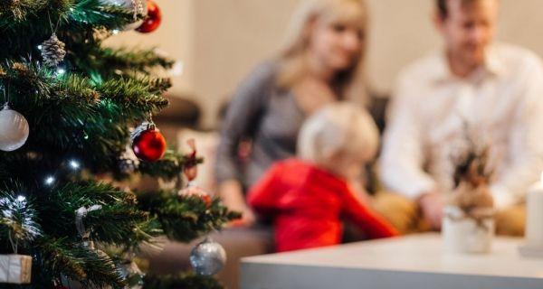 «Γιατί σκόπιμα δεν αγοράζω δώρα στο παιδί μου στις γιορτές και σε γενέθλια»