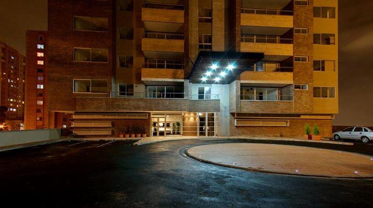 Edificio Origami  Año de Diseño: 2007- 2008 Ubicación: Envigado, Antioquia, Colombia. Área: 10.503.93 m2 Área construida: 26.378.15 m2 Propietario: Constructora las Santas   Uso: Vivienda Avance: Construido En Consorcio  Descripción del Proyecto:  2 torres de vivienda  Torre 1: 17 pisos Torre 2: 23 pisos Total: 114 apartamentos 4 pisos de parqueaderos