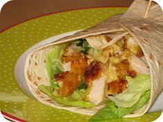 Op dit eetdagboek kookblog : Ingrediënten: 3 kip krokant schnitzels, 3 tortilla wraps, sla, 1 bosui, Knorr honing mosterd dille saus,
