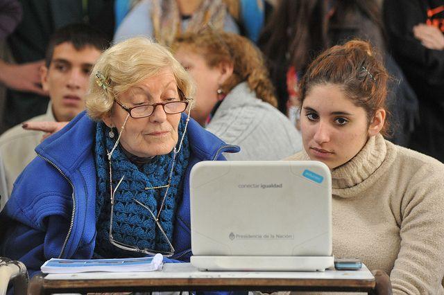 El Ayuntamiento de Coristanco en Galicia, coordina un curso de informática para adultos en su nivel más básico. Desde el Concello recuerdan que los interesados tienen hasta el próximo día 27 para efectuar la inscripción.