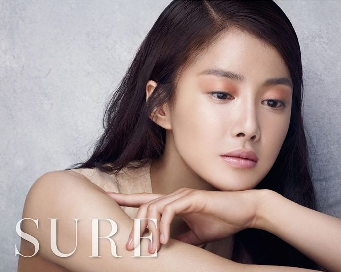 SURE's March 2015 Issue Feat. A Very Easy On The Eyes Lee Si Young   Couch Kimchi