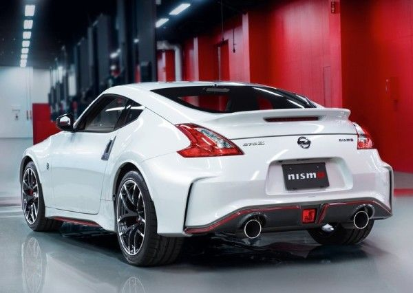 2015 Nissan 370Z Nismo REar View 600x426 2015 Nissan 370Z Nismo Review, Specs and Performance