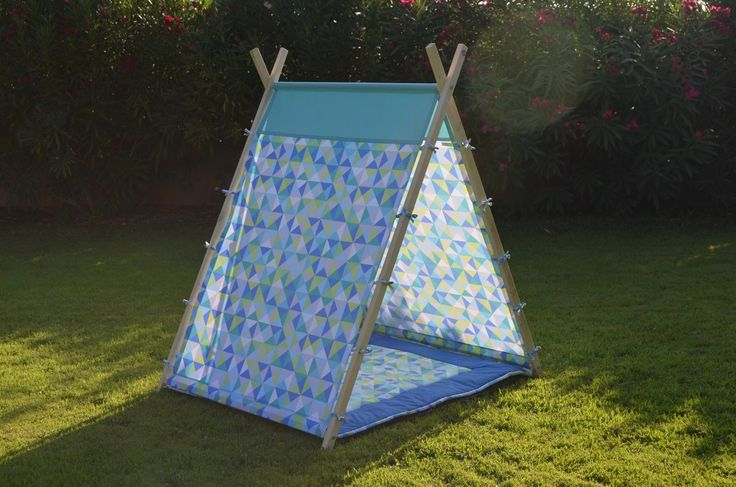 best 25 salon de jardin enfant ideas on pinterest salon jardin enfant cabane exterieur. Black Bedroom Furniture Sets. Home Design Ideas