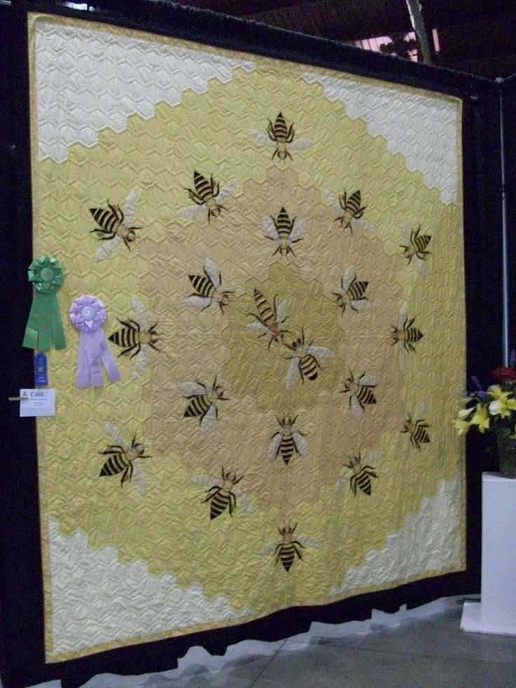 Beehive hexagon quilt. There's also a close up picture of those amazing bees.