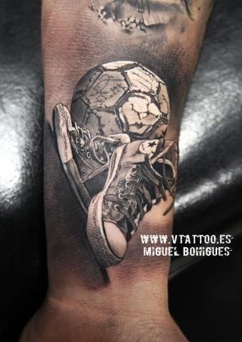 Tatuaje Converse All Star - Miguel Bohigues - Vtattoo