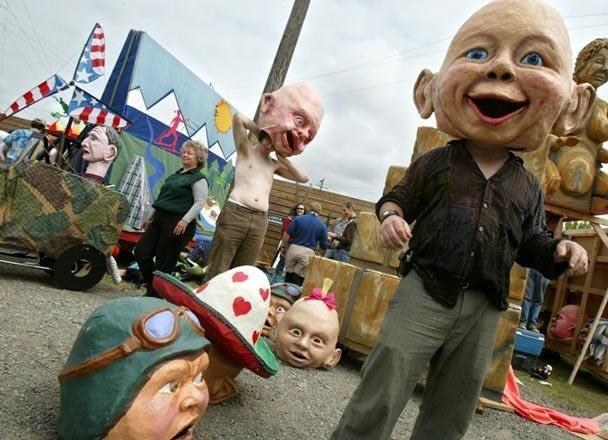 vintage parade big heads