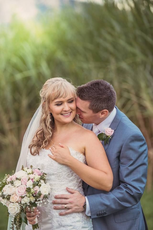 Melissa and Rohan, married by Cairns celebrant Janine Meakin