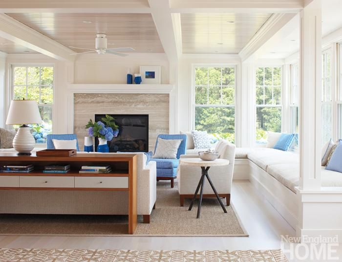Ample Window Seats Provides Plenty Of Seating In This Beach House Family Room Interior Design