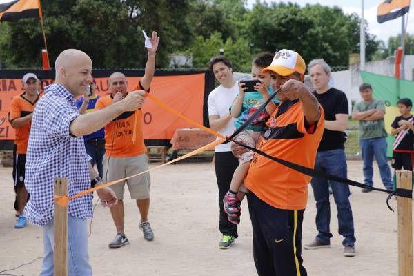 Se inauguró una cancha de fútbol en Villa Rosa